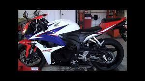 2010 honda cbr 600 lr motos honda cbr 600 rr branca no simulador de velocidade