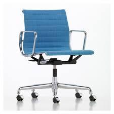 chaise de bureau vitra fauteuil de bureau ea 118 tissu hopsak piétement pivotant chromé