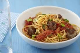 cuisiner des f钁es fraiches recette de linguine à la ricotta boulettes d agneau aux épices et