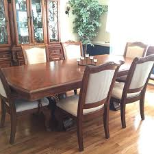 Thomasville Dining Room Table And Chairs by Best Thomasville Dining Room Set W Lit Hutch Buffet And 6 Chairs