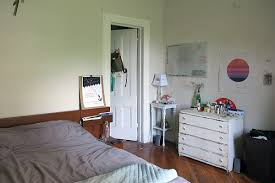 Brooklyn Bedrooms Be My Roommate Live On A Leafy Fort Greene Block With A Filmmaker