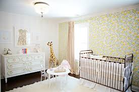 papier peint chambre bebe chambre bébé fille 50 idées de déco et aménagement