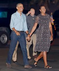 Vacation Obama Michelle Obama Returns To D C In A Fun And Flirty Dress Instyle Com