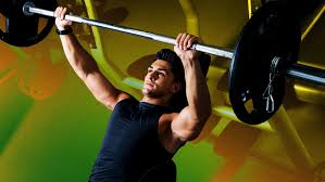 How To Bench More Weight How To Bench Press The Right Way According To Personal Trainers Gq