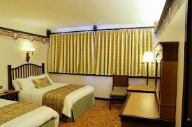 chambre golden forest sequoia lodge adds a fresh disney touch to refurbished rooms at sequoia