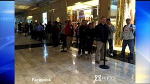 ross park mall black friday hours lines form at ross park mall ahead of tesla model 3 debut wpxi