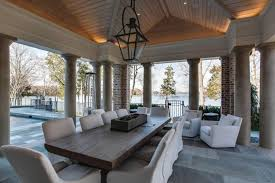 kelly clarkson sells lakefront mansion for sale kelly
