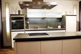 küche mit insel moderne grifflose küche mit insel