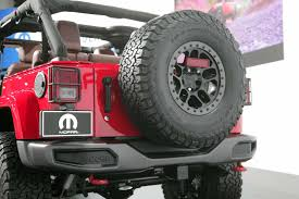jeep wrangler red jeep wrangler red rock concept brings moab spirit to sema
