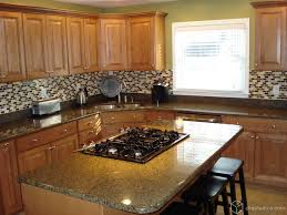 kitchen cabinets and backsplash 79 best maple kitchen cabinets images on maple kitchen