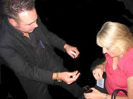 magical miracles close up magician portsmouth wedding magician