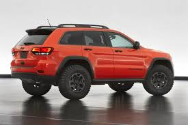 lifted jeep cherokee video jeep grand cherokee trailhawk ii concept revealed the