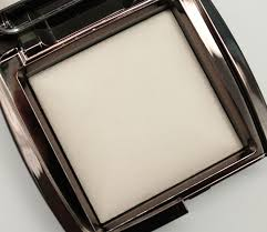 hourglass ambient lighting powder review hourglass ambient lighting powder in ethereal for spring 2013