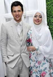tutorial hijab syar i ala risty tagor risty tagor and stuart collins s wedding fashion i hijab wedding