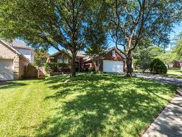 12727 picket ln austin tx 78727 355 000 mls 2618543