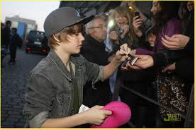 justin bieber happy thanksgiving from germany photo 350728