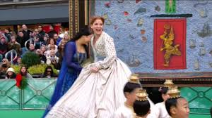disney thanksgiving day parade the king and i 2015 macy u0027s thanksgiving day parade youtube