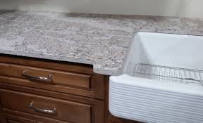 what color countertops go with cabinets pairing quartz countertops with oak cabinets 6 design ideas