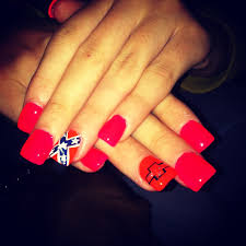 so cute but if i asked the ladies at my nail salon to do this