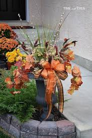 make a gorgeous fall outdoor floral arrangement using four easy