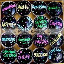 Cupcake Decorating Ideas For New Years Eve by 627 Best New Year U0027s Celebrations Images On Pinterest Holiday