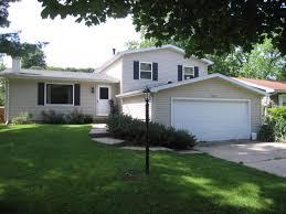 2 Bedroom Apartments In Champaign Il Joel Ward Homes Champaign Illinois Real Estate