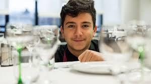 apprentissage en cuisine restauration apprentissage en restauration un éducateur soutient alexandre vers