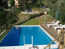 rivestimento in legno per piscine fuori terra piscina fuori terra quali rivestimenti di design scegliere