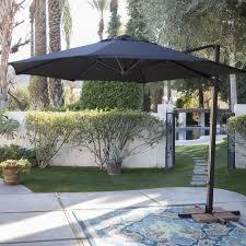 Threshold Offset Patio Umbrella Best 25 Offset Umbrella Ideas On Pinterest Deck Umbrella Pool