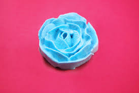 3 ways to make a rose with cake icing wikihow