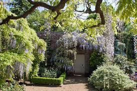 glorious gardens from windsor to bath