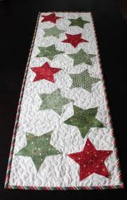 holiday table runner ideas 25 unique christmas table runners ideas on pinterest quilted
