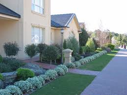 low maintenance landscaping ideas for small front yard blow