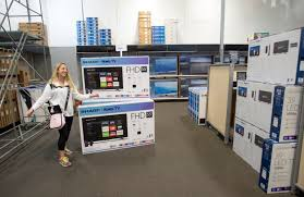 best buy 55 inch tv black friday holiday shoppers eager to snag big discounts turned to the internet