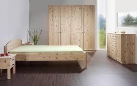 Schlafzimmerschrank Zirbe Betten Aus Zirbenholz Von Der Schreinerei Loferer Aus Holzkirchen