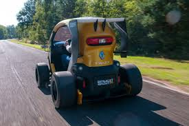 renault twizy sport renault twizy f1 review pictures renault twizy f1 action 2