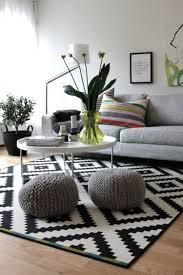 Wohnzimmer Skandinavisch Wohnzimmer Deko Grau Weiß Bezaubernde On Moderne Idee Zusammen Mit