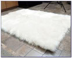 faux fur rug ikea rugs home design ideas m67pnm5ry4