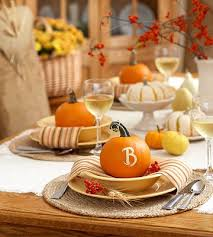how to decorate your table for thanksgiving like a pro