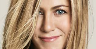 what is the formula to get jennifer anistons hair color 3 lessons from jennifer aniston s brazilian blowout diaster simply
