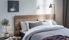 chambre deco bois customiser une tête de lit en bois par simple simplement chambre