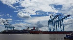 Alabama travel port images Mobile container terminal grappling with global ransomware attack jpg