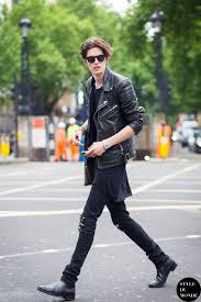 perfect skinny guy haircut 19 cute outfits for skinny guys styling tips with new trends