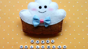 how to make an adorable felt halloween ghost cupcake diy crafts