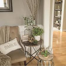 Corner Table Ideas by Best 10 Decorating End Tables Ideas On Pinterest Foyer Table