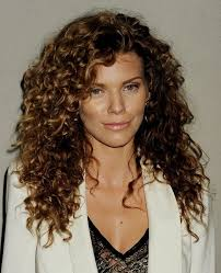 which hair style is suitable for curly hair medium height top 28 best curly hairstyles for girls styles weekly