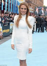 danielle lloyd brings back the 80s at entourage premiere in london