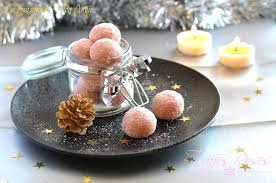 cuisiner truffe truffes de noël biscuits roses kirsch la gourmandise selon angie