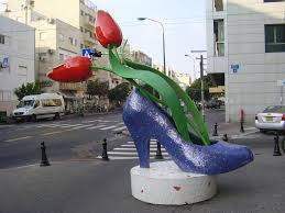 file pikiwiki israel 21189 shoe and flowers sculpture in tel aviv
