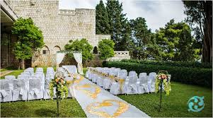 Wedding Runners Petal Aisle Runners Create A Personalised Entrance At Your